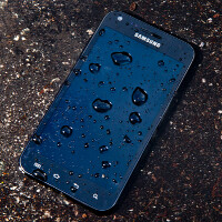 TekDry, DryBox save wet smartphones from watery graves