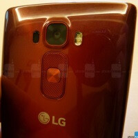 LG Electronics shares rise as its smartphone business grows and continues its traction into 2015