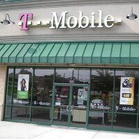 Wells Fargo analyst: T-Mobile's pricing not negatively impacting profits
