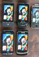 7 smartphone displays compared in a video