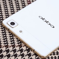 Gilded Oppo R5 goes to war with the iPhone 6 on Valentine's Day