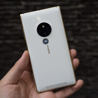 Check out the gorgeous Lumia 830 Gold in these hands-on photos