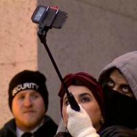 New York museums banning selfie sticks