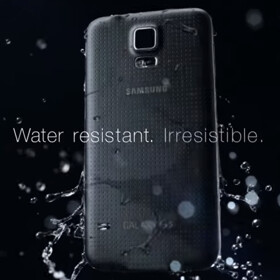 "With the Galaxy S6 around the corner, Samsung reminds us that the S5 is ""water resistant"" and ""irresistible"""