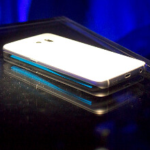 http://i-cdn.phonearena.com/images/article/66685-image/How-to-get-the-Galaxy-S6-Edge-colorful-side-glow-notifications-on-any-Android-phone.jpg