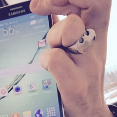 T-Mobile's John Legere shows off his Samsung Galaxy S6 edge, says it's
