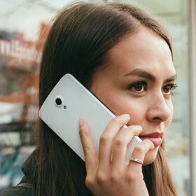 """The Icon Q5.5 wants to be """"your travel super phone"""" for $199"""