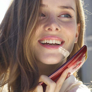 """LG expects to sell the G Flex 2 mainly to """"business users"""" over 30 years of age"""