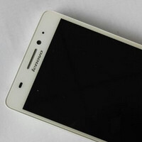 Lenovo A7600-M poses for the camera