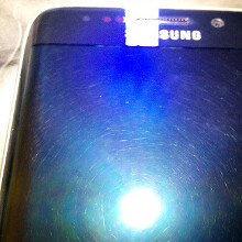Some Galaxy S6 edge fronts appear scratched out of the box, displays show funky colors