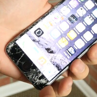 Professional drop test machine used in new Samsung Galaxy S6 vs. Apple iPhone 6 battle