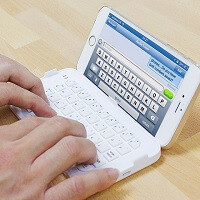 Check out this functional and convenient Bluetooth keyboard for the iPhone 6 Plus