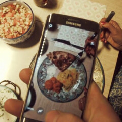Samsung's Galaxy S6 edge unboxing videos are like nothing you've seen before