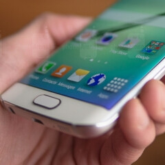Various Samsung Galaxy S6 edge units are plagued by an auto-rotate bug