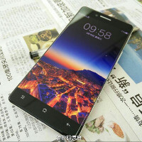 Transfixing new set of Oppo R7 images flaunt its edge-to-edge screen
