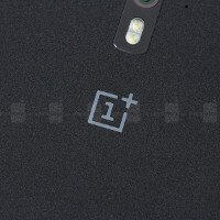 Could the OnePlus Two end up being sold through select carriers and in physical stores?