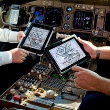 "A ""few dozen"" American Airlines flights get grounded as pilots' iPads go dark"