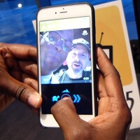 Vhedz is the brainchild of Damon Wayans, a cool new entertainment mixed-media app for Android and iOS