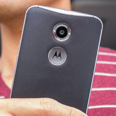 Motorola's next high-end smartphones to feature microSD card support and front-facing LED flashes?