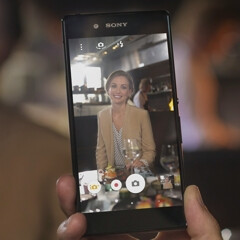 Sony Xperia Z3+ features various manual camera settings (no RAW support though)