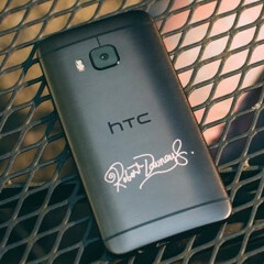 HTC gives away 7 One M9s etched with Robert Downey Jr.'s autograph (US only)