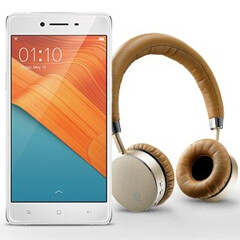 Oppo R7 available to pre-order in the US, free headphones included