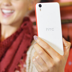 AT&T's HTC Desire EYE should be updated to Android Lollipop starting today
