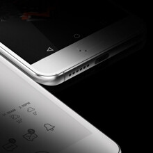 The UMi Zero 2 seems to sport two displays (including an e-ink one), just like the YotaPhone