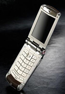 The Vertu Constellation Ayxta - your navigator in the world of the rich