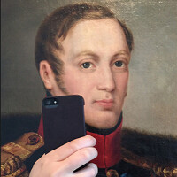 """Russians take """"killer"""" selfies, and the government wants to stop that with its latest campaign"""