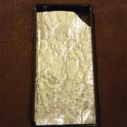 DIY case uses kitchen foil layers to cool the Sony Xperia Z3+, performance allegedly improved