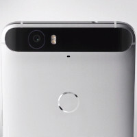 Does the hump on the Nexus 6P bother you?