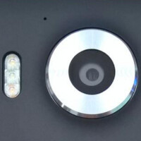 New photos of Lumia 950 and Lumia 950 XL prototypes show triple LED flash on both models