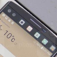 LG V10's ticker display: Gimmick or useful?