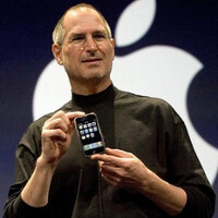 Video shows Jobs on the eve of the iPhone announcement; a rare side not seen often