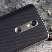 Verizon video teases the shatterproof glass on the Motorola DROID Turbo 2