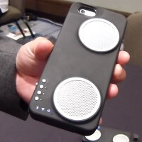An iPhone case with 3,000mAh battery, and seriously loud speakers, the Peri Duo