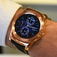 Android Wear update to version 1.4 adds support for gestures, audio and more
