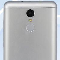 Xiaomi CEO posts photo of metal-clad Xiaomi Redmi Note 2 Pro