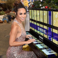Piano made up of more than 100 Samsung Galaxy Tab S2 tablets debuts in London
