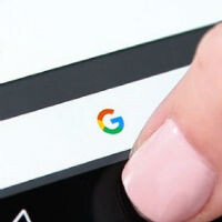 Google Now on Tap adds new languages, related articles, and tracking for flights and packages