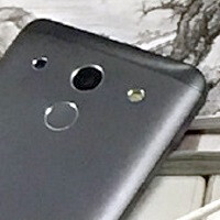 New leaked photos claim to show the Mi 5 in black, suggest a full-on metal build