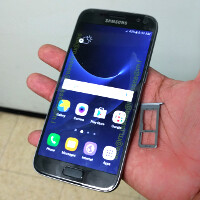 Operational Samsung Galaxy S7 leaks in new brief video & pics, microSD card slot confirmed