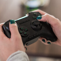Gamepads galore: 7 wireless game controllers for smartphones and tablets