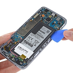 iFixit says that the Samsung Galaxy S7 is even tougher to repair than its predecessor