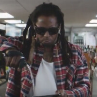 Lil Wayne plus champagne plus Samsung Pay equals new ad for the Samsung Galaxy S7