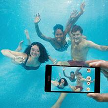 5 best water-resistant smartphones for summer 2016