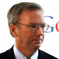 Eric Schmidt finally admits that he owns an iPhone