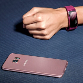 Samsung intros the Gear Fit 2 and Gear IconX: fitness wearables that are also music players