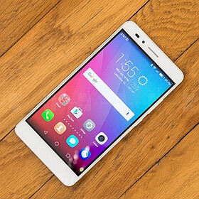 Huawei is now rolling out the Android 6.0 Marshmallow update for the Honor 5X